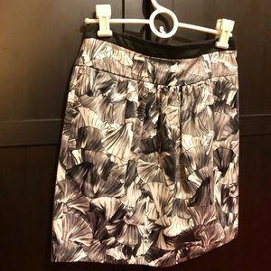 BCBG Maxazria Black/Gray/White Shell Pattern Skirt